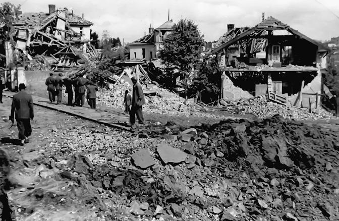 "Pašino brdo, današnje Lekino brdo, našlo se pod ""tepihom"" bombi (Foto Vikipedija)"
