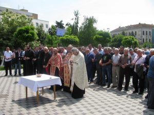 Поводом 25 година од формирања Прве посавске бригаде служен је парастос за погинуле припаднике, а код Споменика српским браниоцима Брчког положени су вијенци.