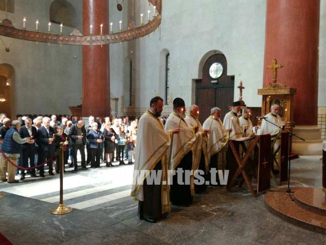 """Beograd; U crkvi Svetog Marka služen pomen za stradalnike u akciji """"Bljesak"""" Foto: RTRS"""