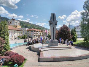 Foča:Spomenik poginulim borcima i civilima Foto: SRNA