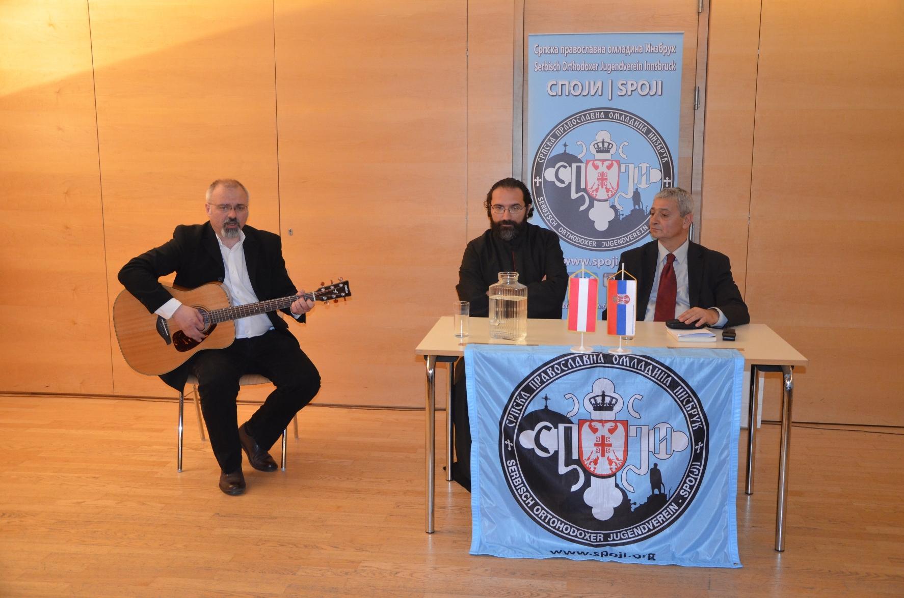 - Nebojša Mastilović tokom izvođenja jedne od njegovih solističkih numera -