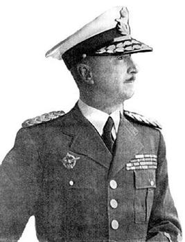 Zbunjen General Dušan Simović