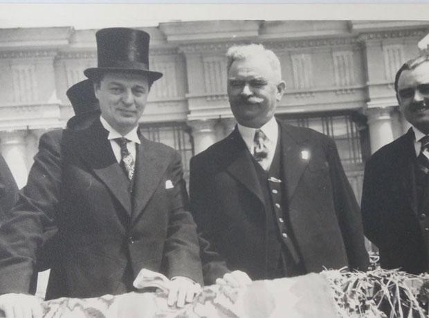 Činjenice Novinar Stanislav Krakov (levo)
