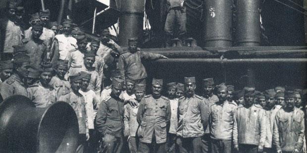 Borci i oficiri Prve dobrovoljačke divizije na putu za Solun