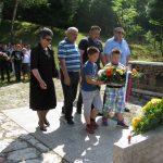 """Kod Spomen-obilježja u Kasindolu služen je parastos i položeno cvijeće u okviru manifestacije """"Dani Kasindolskog bataljona"""" za pripadnike ovog bataljona koji su položili živote za stvaranje Republike Srpske."""
