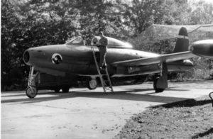 F-84G ev. br. 10544 na aerodromu Cerklje u drugoj polovini šezdesetih godina dvadesetog veka (kolekcija M. Micevski)