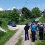 Парастосом, прислуживањем свијећа и полагањем цвијећа на спомен обиљежје у селу Ледићи, код Трнова, данас у чланови породица невиних српских жртава достојанствено и молитвено обиљежили 25 година од крвавог пира муслиманских фаланги које су свирепо ликвидирале 24 српска цивила из овог села.