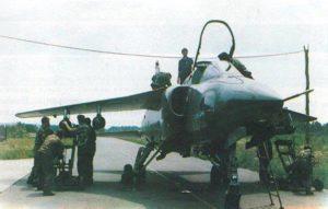 Oružari VRS naoružavaju avion Orao sa NRZ kalibra 57 mm (foto Nova krila)