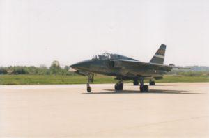 Dvosedi NJ-22 Orao ev. br. 25504 prilikom povratka sa borbenog zadatka (foto Drago Vejnović)