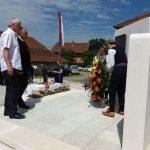 Gradonačelnik Prijedora Milenko Đaković položio je vijenac na novoizgrađeni spomenik za 21 poginulog borca odbrambeno-otadžbinskog rata