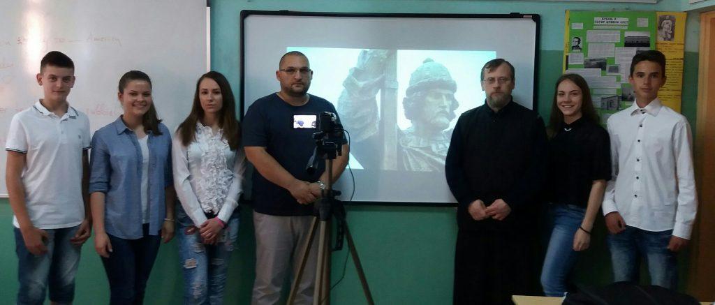 """Prof. istorije Đorđe Bojanić i veroučitelj Dejan Jovanović (OŠ """"Bubanjski heroji"""" Niš)"""