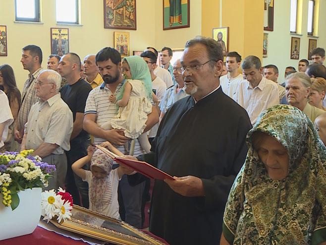 Parastos u crkvi Lazarica (Foto: RTRS)