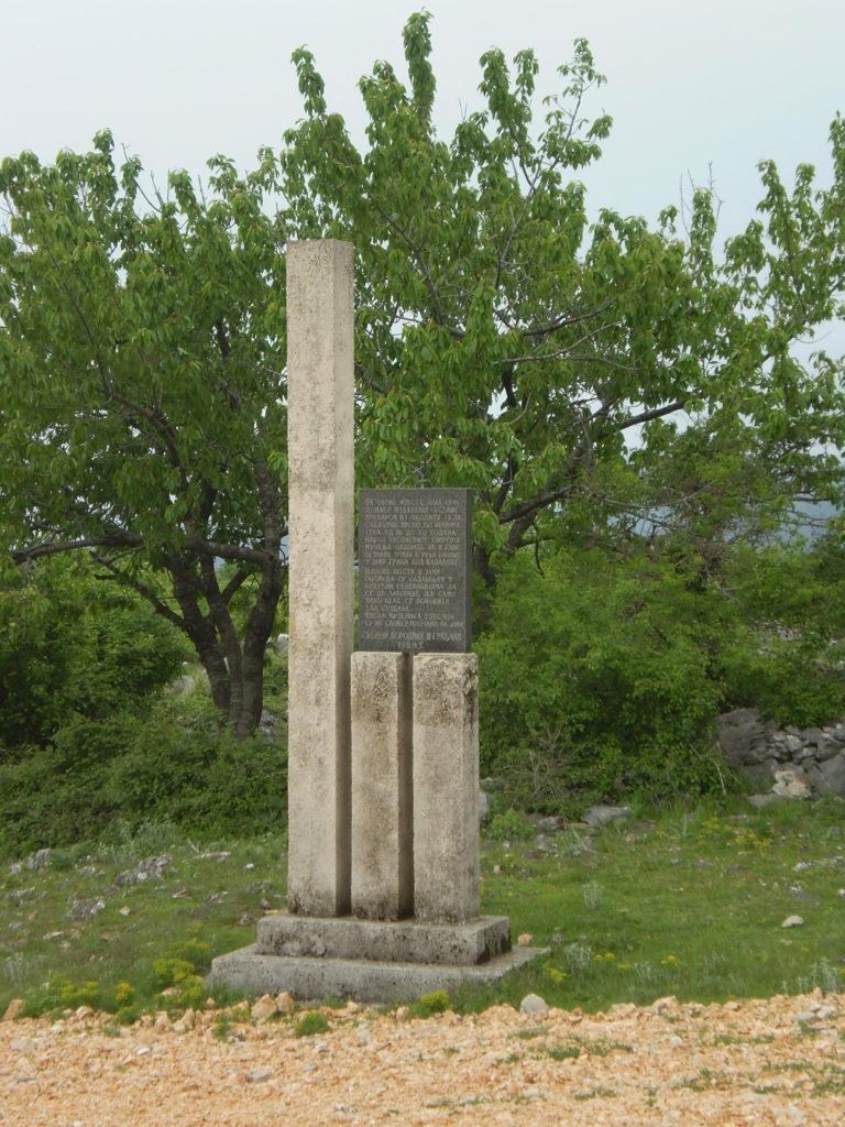 Spomenik u Rankovcima