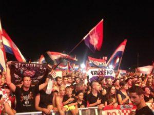 """Ubij Srbina"", na koncertu M.P. Tompsona u Kninu Foto: Index.hr"