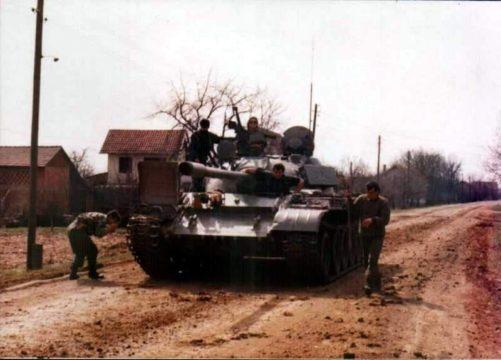 """Operacija """"Koridor-92"""".1. okbr VRS. Priprema tehnike za izvršenje borbenog zadatka. Juni 1992. godine."""