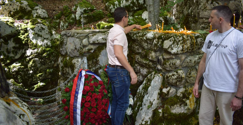 Žarko Prodan nakon parastosa nad Šaranovom jamom