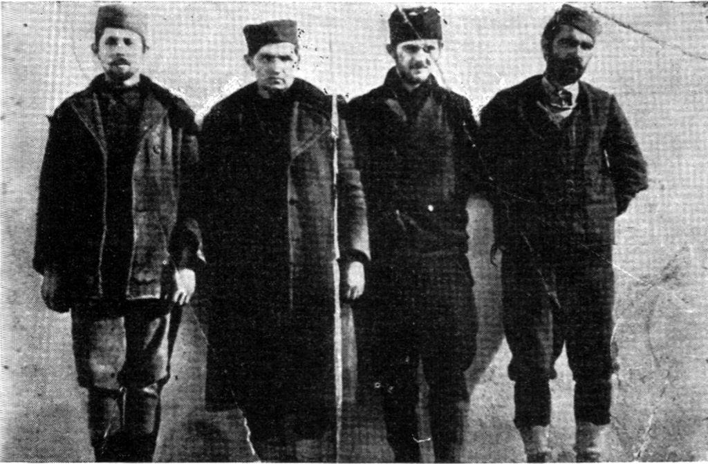 Članovi okružnog komiteta KPJ Čačka pred streljanje na Banjici, 1942.