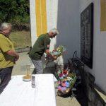 Služenjem parastosa i prisluživanjem svijeća za pokoj duša ubijenih mještana, danas je kod spomen obilježja u porti Crkve Svetog Proroka Ilije u srebreničkom selu Krnjići, obilježeno je 25 godina od stradanja 24 srpska civila i vojnika iz ovog sela od kojih je 17 ubijeno na današnji dan 1992. godine.