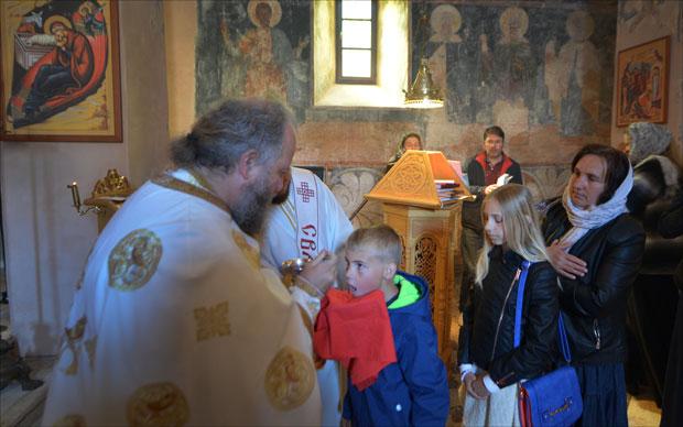 Povratnička porodica Veselinović uvek uz manastir Krka