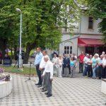 Opštinska organizacija SUBNOR-a u Prnjavoru danas je polaganjem cvijeća kod bisti narodnih heroja i ispred spomenika palim borcima NOR-a i žrtvama fašističkog terora obilježila Dan oslobođenja opštine u Drugom svjetskom ratu 10. jul