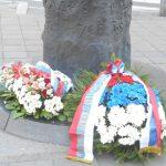 U Beogradu su danas položeni vijenci i odata počast povodom obilježavanja 76 godina od zločina koji su u Drugom svjetskom ratu počinile okupacione snage koje su na stubove javne rasvjete na Terazijama objesile petoricu Beograđana, optuženih za pružanje otpora.