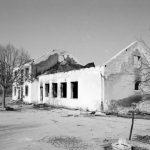 Selo Škare – razoreni zadružni dom i pošta Foto: Igor Galo