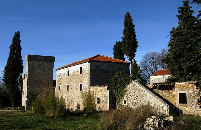Ravni Kotari 20.12.2008. nabujali izvori i vodotokovi Islam Grčki kula Stojana Jovanovića