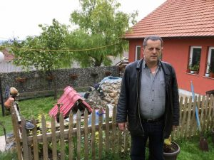 Браћа Миодраг и Миладин Бркљач данас су једини Срби у селу Врела код Косова Поља, које је некада насељавало готово 300 Срба.