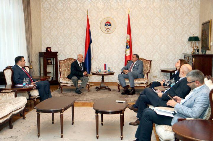 Predsjednik Republike Srpske Milorad Dodik razgovarao je danas sa predsjednikom Međunarodne komisije za utvrđivanje istine o Jasenovcu Srboljubom Živanovićem