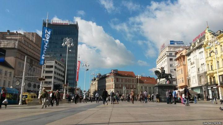 Trg bana Jelačića, Zagreb