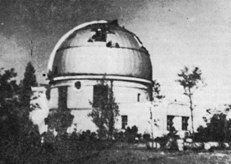 Ruski projektili koji su gađali nemačko topovsko gnezdo na Zvezdari oštetili su Astronomsku opservatoriju, tragovi gelera i danas se vide na ovom zdanju. © FOTO: ASTRONOMSKA OPSERVATORIJA
