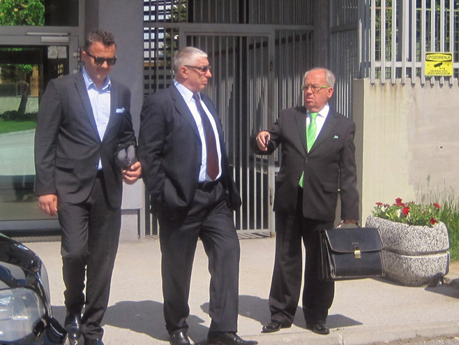 "Optuženi u predmetu ""Veliki park"" Dragan Vikić i njegov branilac Fahrija Karkin Foto: SRNA"