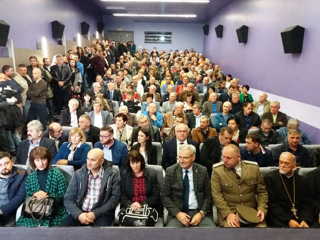 """Prijedor: Premijerno prikazan film """"Nebo nad Bjelovarom""""Foto: SRNA"""