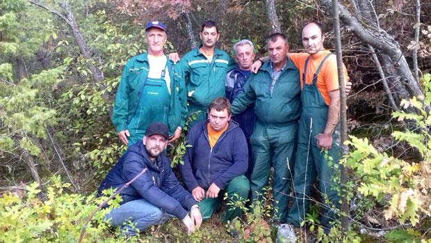 Radnici JKP krče neprohodan put do jame