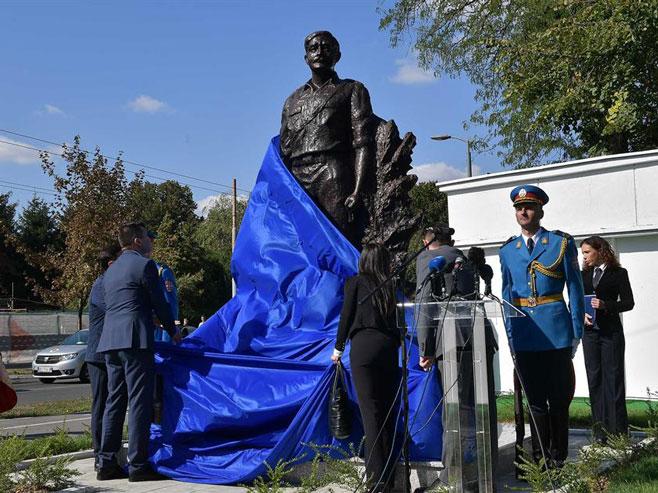 Heroj Milan Tepić dobio spomenik u Beogradu (Foto: Promo/Ministarstvo odbrane Srbije)