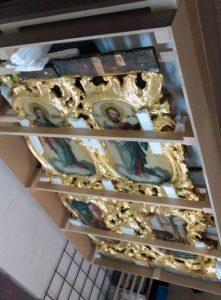 Kulturna dobra Eparhije osječko-poljske i baranjske i Eparhije dalmatinske otpremljena su danas iz Srbije u crkve i riznice Srpske pravoslavne crkve /SPC/ u Hrvatskoj, tako da je vraćeno 45 ikona.