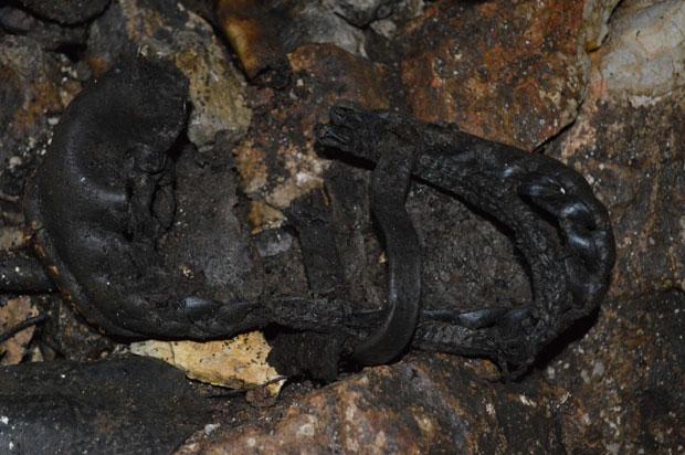 Opanak U pećini nađeni predmeti koji su pripadali ubijenima