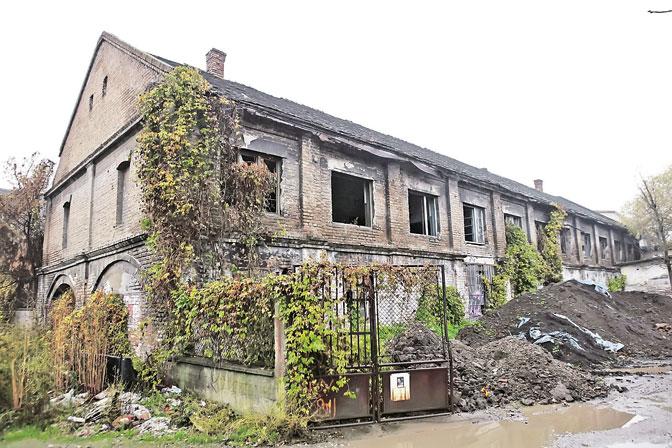 """""""Делта"""" није одустала од градње тржног центра на овом простору, али тврде да ће очувати сећање на страдалнике (Фото Жељко Јовановић)"""