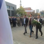 Dan oslobođenja Bijeljine u Prvom svjetskom ratu svečano je danas obilježen molitvenim sjećanjem na srpske junake i polaganjem vijenaca ispred spomenika kralju Petru Prvom Karađorđeviću u centru grada.