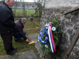 Na mjesnom groblju u Ravnicama, kod Novog Grada, danas je odata počast za 168 civila koje su ustaše pobile na današnji dan 1943. godine.