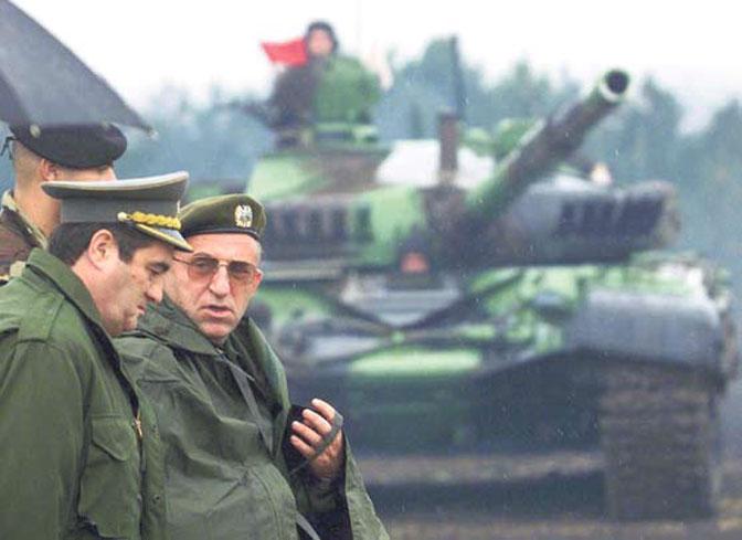 Generali Nebojša Pavković i Vladimir Lazarević u vreme NATO agresije (Foto AP/D. Vojinović)