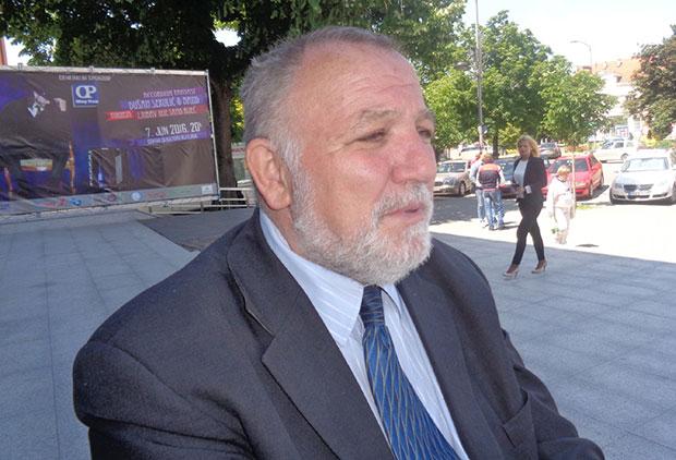 Advokat Dušan Tomić