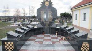 Spomenik u Derventi