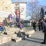 Delegacija Savjeta ministara, koju je predvodio ministar inostranih poslova Igor Crnadak, položila je danas vijence na spomenik palim borcima NOR-a povodom 9.januara – Dana Republike Srpske.