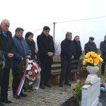 Služenjem parastosa, polaganjem cvijeća i prisluživanjem svijeća danas je u Novom Gradu obilježeno 25 godina od pogibije 56 boraca Četvrtog bataljona Novogradske brigade Vojske Republike Srpske.