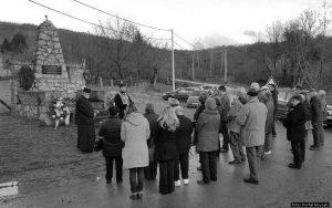 Помен код споменика жртвама Другог свјетског рата