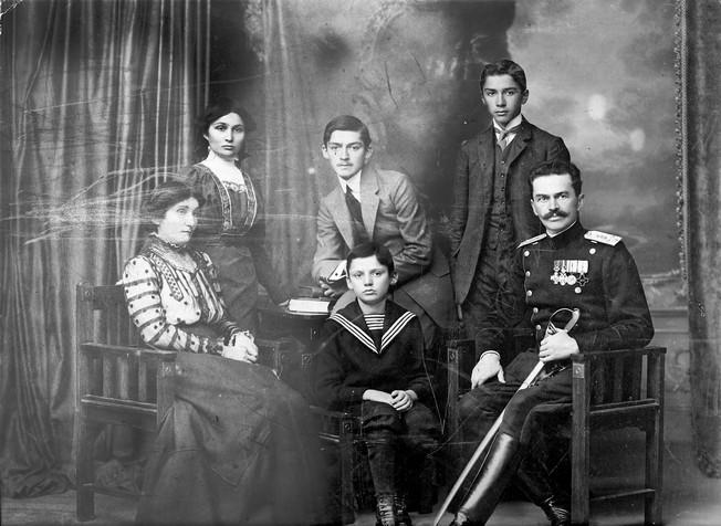 Porodica Romana Sondermajera (Fotografije iz privatne arhive porodice Sondermajer)