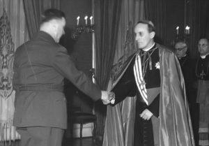 Poglavar NDH Ante Pavelić i kardinal Alojzije Stepinac (Foto Vikipedija)