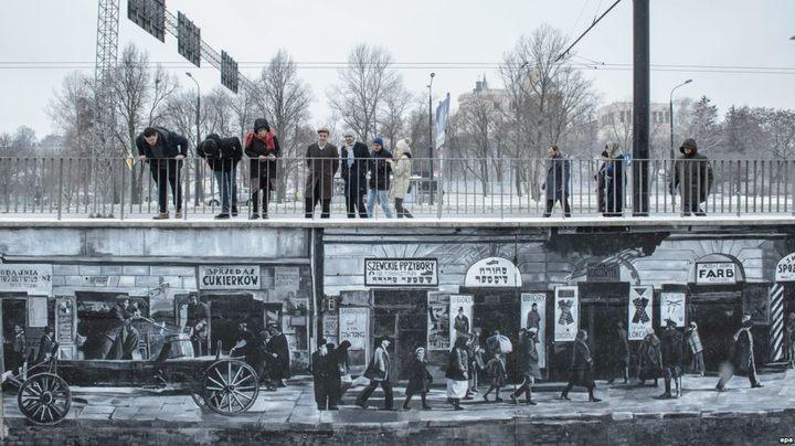 Mural sa prikazom života Jevreja u Drugom svetskom ratu Foto: EPA