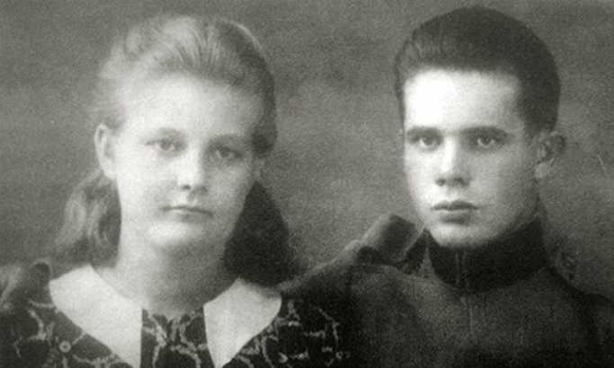 Rat im prekinuo mladost: Stevan Filipović sa sestrom Jelicom Foto: B. Simonović